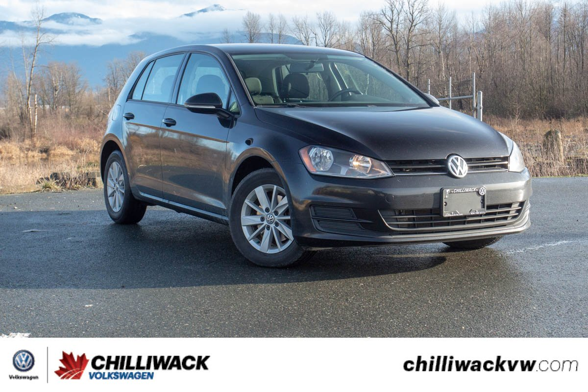 Pre-Owned 2015 Volkswagen Golf Trendline